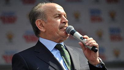 İstanbul Böyükşəhər Bələdiyyəsinin sədri Kadir Topbaş, arxiv şəkli