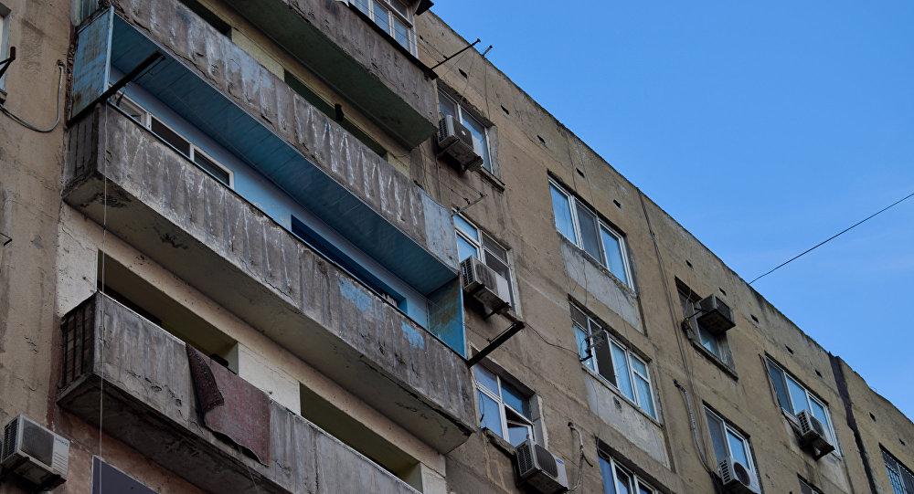 Yaşayış binası, arxiv şəkli