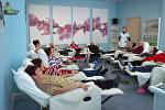 Отдыхающие на сеансе ароматерапии в санатории, фото из архива