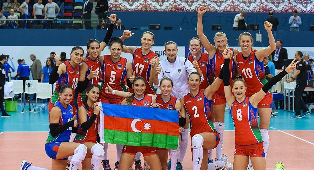 Победу азербайджанских волейболисток наблюдали президент страны ипервая леди
