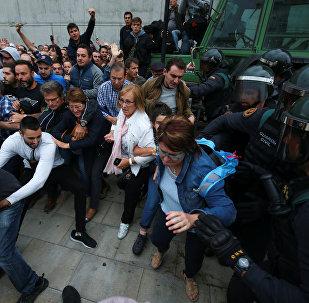 Kataloniyada polislə qarşıdurma, 1 oktyabr 2017-ci il
