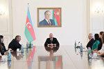 İlham Əliyev qadın voleybolçulardan ibarət milli komandamızın heyətini qəbul edib