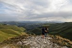 Туристы в горах, фото из архива
