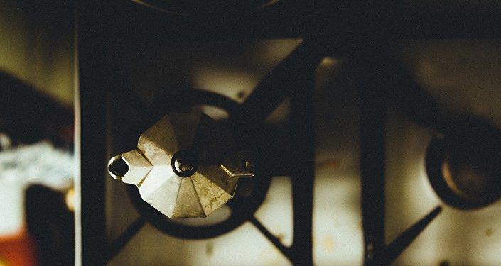 Чайник на газовой плите, фото из архива