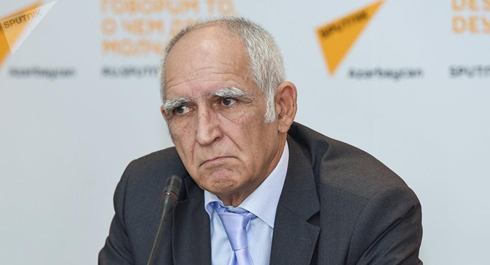 Təhsil eksperti Nadir İsrafilov