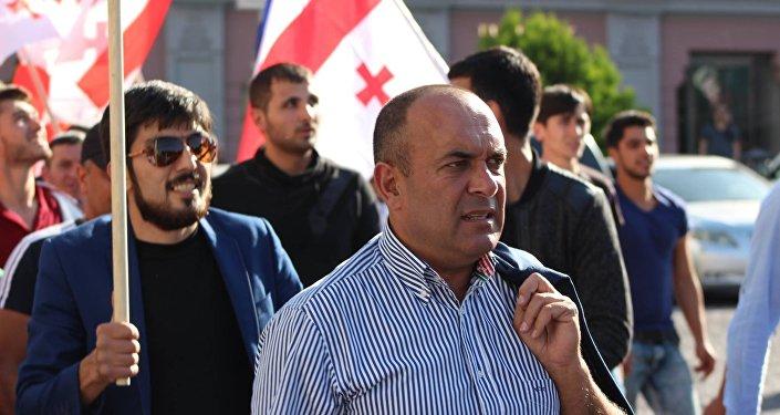 Депутат от партии Единое национальное движение Азер Сулейманов