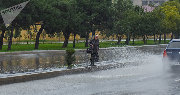 Bakıda yağış