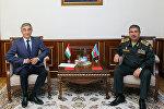 Министр обороны встретился с послом Таджикистана в Азербайджане