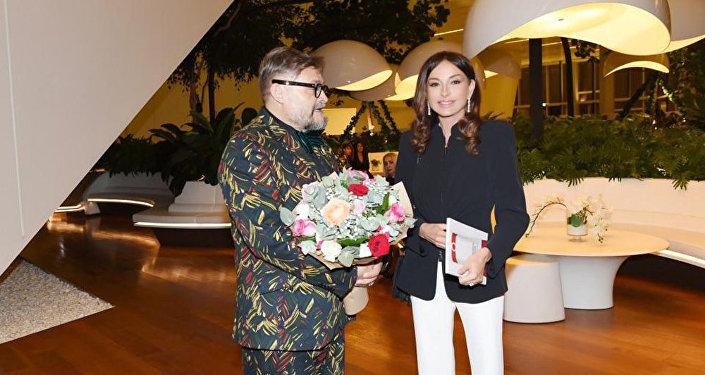 Первый вице-президент Мехрибан Алиева приняла участие в церемонии открытия выставки Модернизм и мода