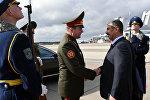 Министр обороны Азербайджана ознакомился с боевой техникой, производимой военно-промышленным комплексом Беларуси