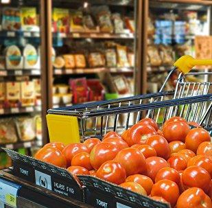Ərzaq dükanı - supermarket, arxiv şəkli