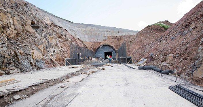 Строительство железной дороги Баку-Тбилиси-Карс