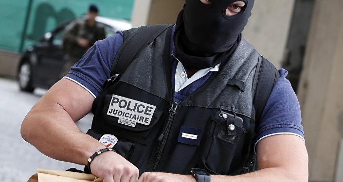 Fransız polis