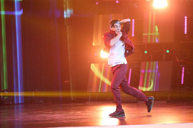 Выступление Юрия Неделина на сцене Ты супер! Танцы
