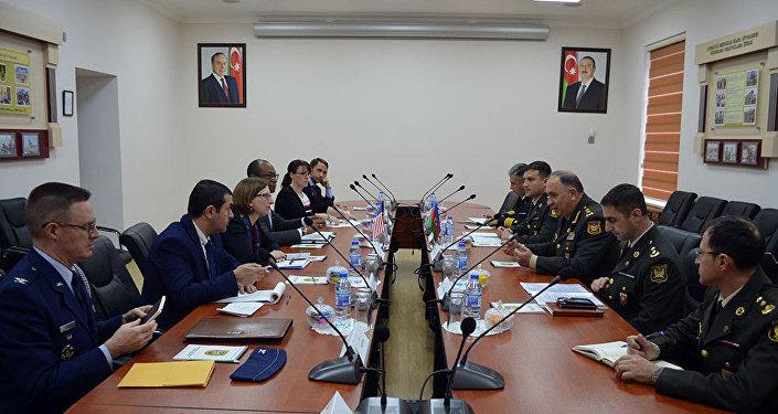 Исполняющая обязанности заместителя ассистента  министра обороны США находится свизитом вАзербайджане