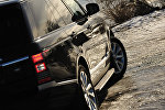 Автомобиль марки Range Rover, фото из архива