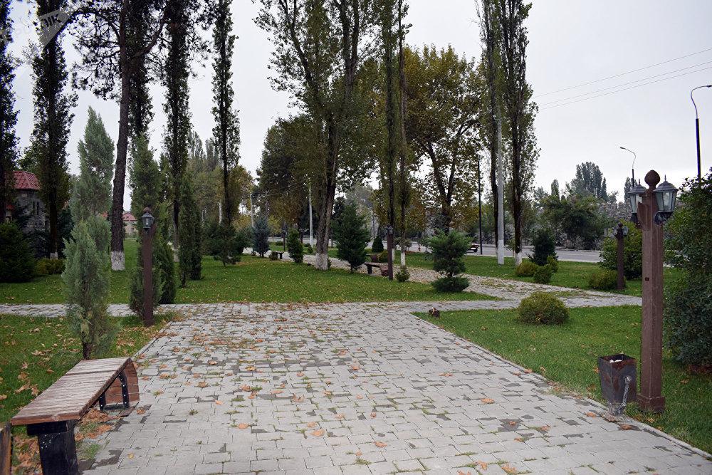 Парк дружбы Азербайджан-Франция в центре Исмаиллы