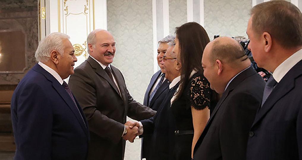 Президент Беларуси Александр Лукашенко на встрече с председателем Милли Меджлиса (парламента) Азербайджана Октаем Асадовым