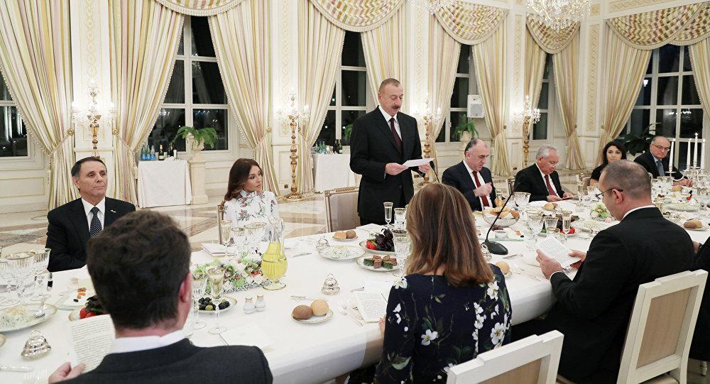 Официальный прием в честь президента Болгарии Румена Радева от имени президента Азербайджана Ильхама Алиева, Баку, 13 октября 2017 года