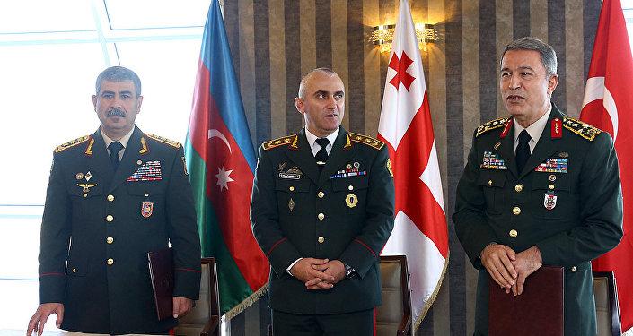 Премьер Грузии примет участие вцеремонии открытия железной дороги Баку-Тбилиси-Карс