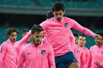 Тренировка игроков ФК Атлетико на Бакинском олимпийском стадионе