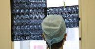 Рентгеновские снимки головного мозга человека, фото из архива
