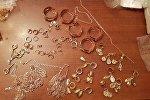 Контрабандное золото обнаружили сотрудники Управления таможни Товузского района на контрольно-пропускном посту Сыныг керпю