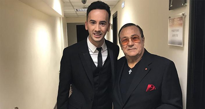 Азербайджанский исполнитель Эмиль Кадыров и итальянский певц Робертино Лоретти