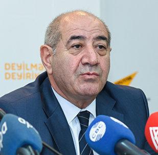Azərbaycan Milli Elmlər Akademiyası Respublika Seysmoloji Xidmət Mərkəzinin baş direktoru Qurban Yetirmişli.