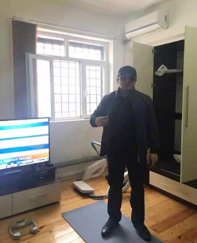 Криминальный авторитет Надир Салифов в тюремной камере