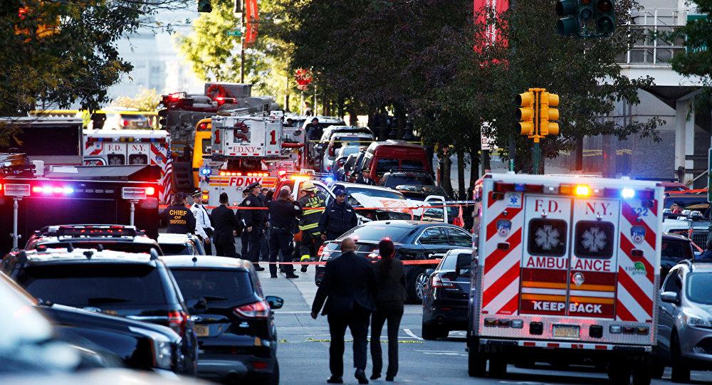Власти Нью-Йорка назвали число погибших наезда фургона натолпу людей