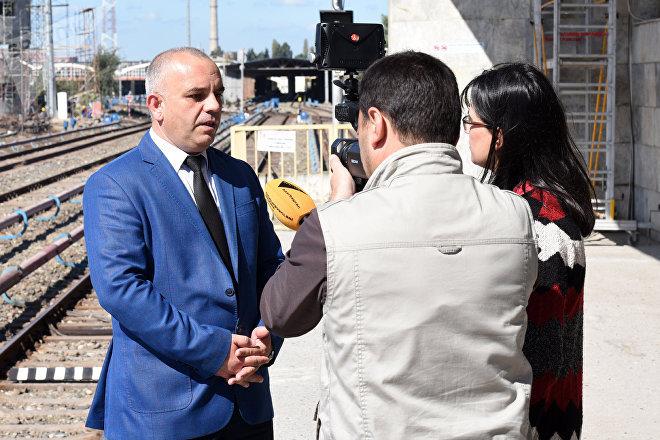 Руководитель пресс-службы ОАО Bakı Metropoliteni Насим Пашаев в ходе беседы с сотрудниками Sputnik Азербайджан