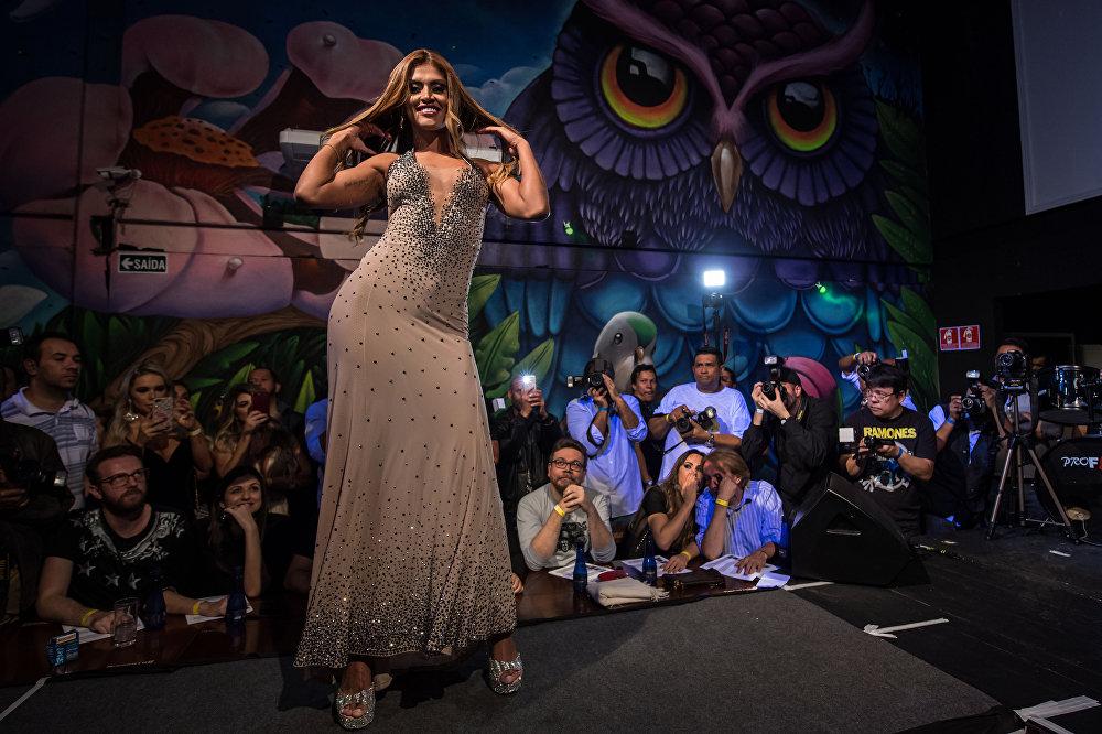 Braziliyada Miss Bum-Mum gözəllik müsabiqəsinin finalı