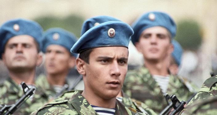 Военный парад в Ереване в день независимости, фото из архива