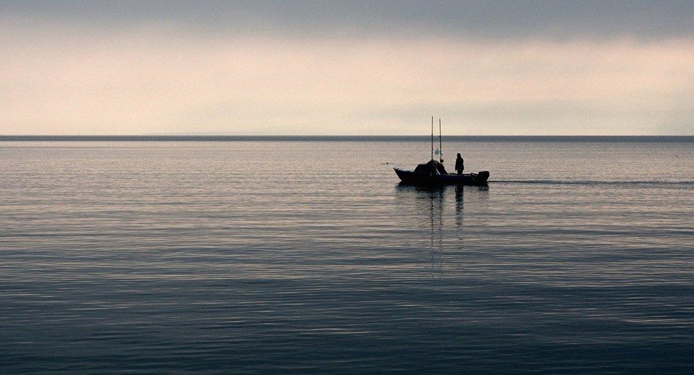 Рыбаки в открытом море, фото из архива