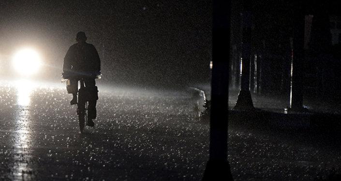 Ночная улица, фото из архива