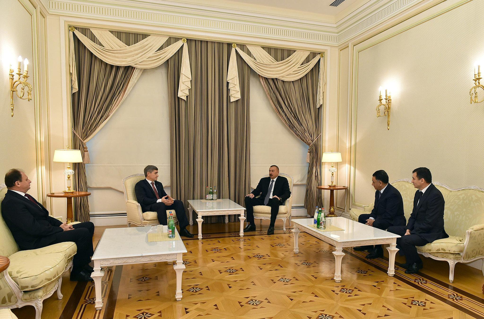 Президент Азербайджана Ильхам Алиев принял министра внутренних дел Молдовы