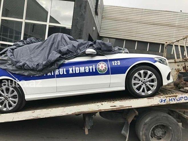 Dövlət Yol Polisinin Yol Patrul Xidməti əməkdaşları üçün verilmiş Mercedes AMG C43 markalı avtomobil