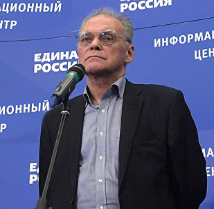 Политолог, член экспертного совета Института социально- экономических и политических исследований Алексей Зудин