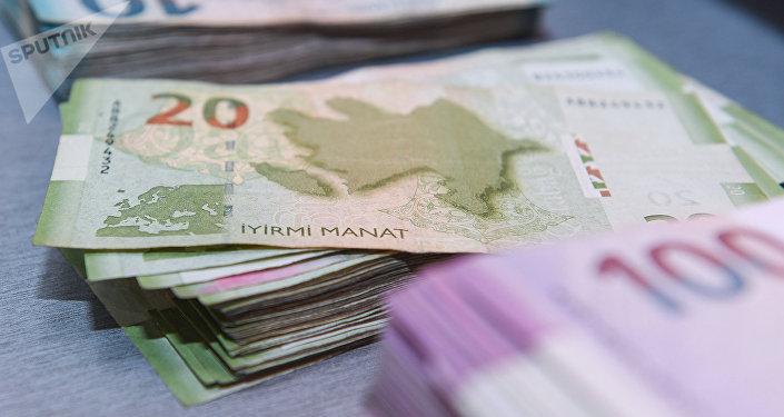 Деньги, азербайджанские манаты, банкноты