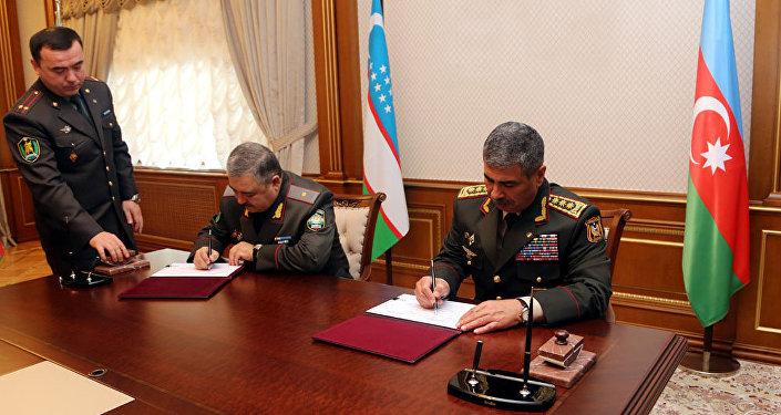Подписан план двустороннего военного сотрудничества между Азербайджаном и Узбекистаном