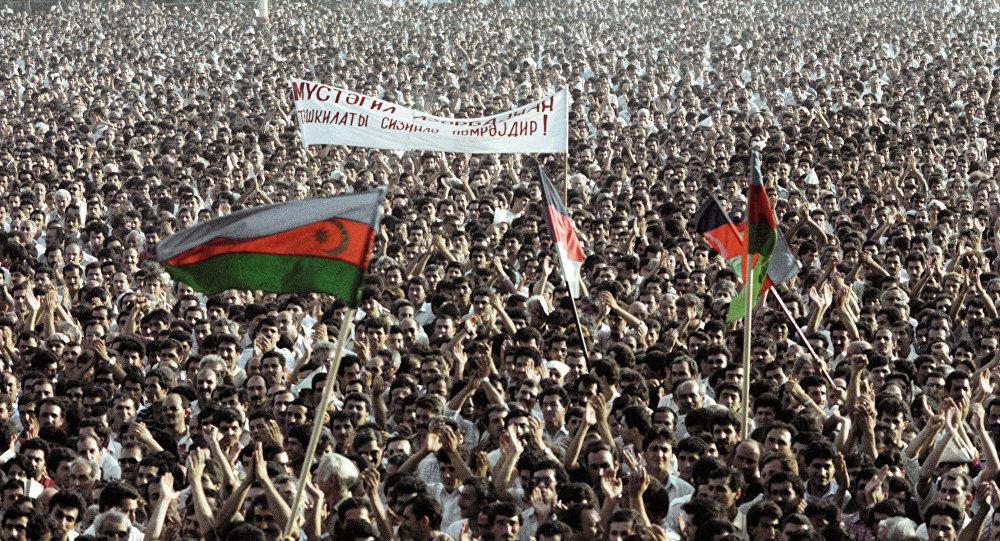 Жители Баку и Азербайджана на митинге в 1988 году