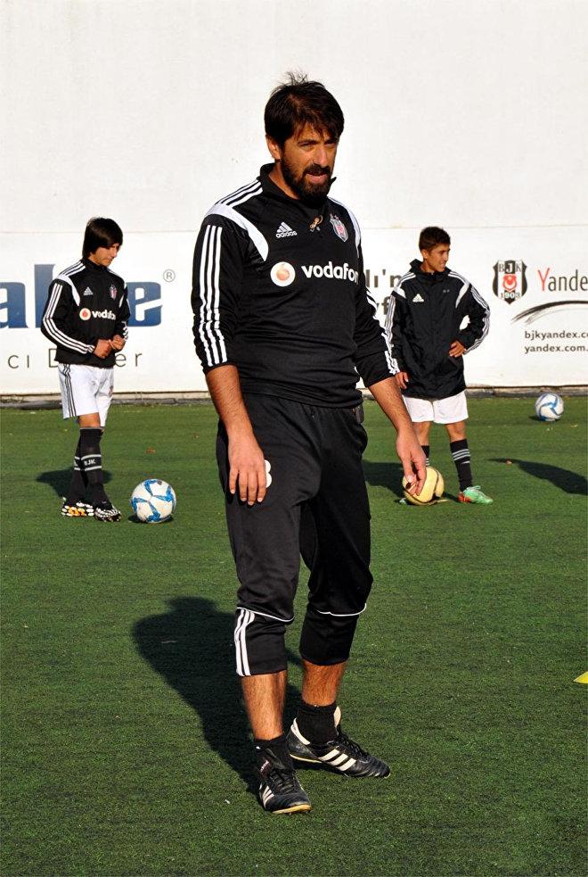 Futbolçu Zafer Biryol