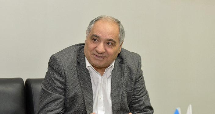 Профессор Гулу Магеррамли