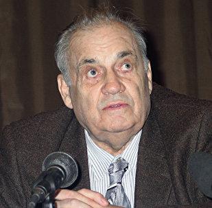 Режиссер Эльдар Рязанов, 25 февраля 2004 года