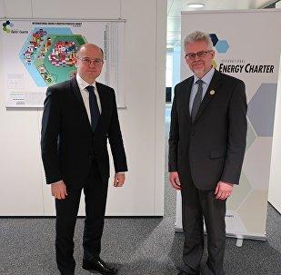 Встреча министра энергетики Азербайджана Парвиза Шахбазова с генеральным секретарем Секретариата Энергетической хартии Урбаном Руснаком