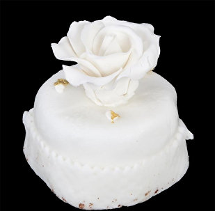 Кусок торта со свадьбы Дональда и Мелании Трамп, фото из архива