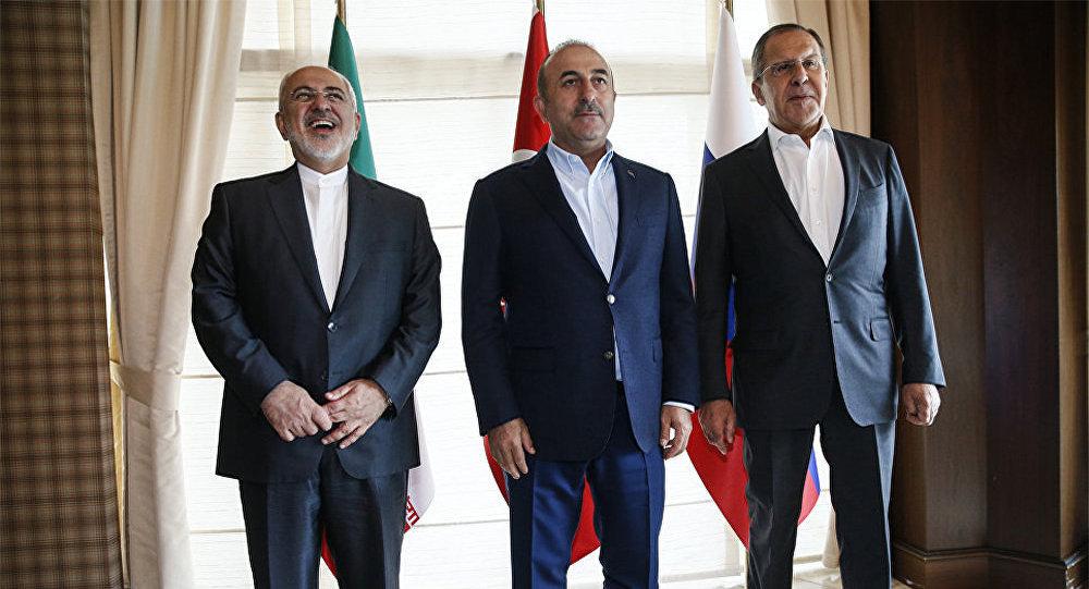 Главы МИД РФ, Ирана и Турции Сергей Лавров, Мохаммад Джавад Зариф и Мевлют Чавушоглу