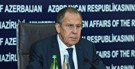 Министр иностранных дел России Сергей Лавров во время пресс-конференции в Баку