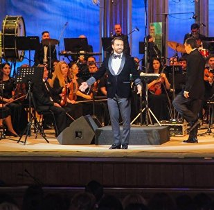 Cольный концерт азербайджанского исполнителя Замика Гусейнова в Азербайджанском академическом театре оперы и балета